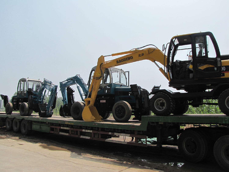 国产小型挖掘机排名_小型挖掘机成为城乡建设中的新军