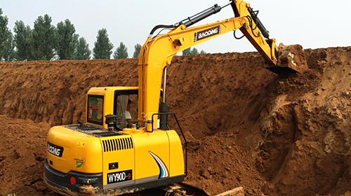 国产小型挖掘机排名_国产挖掘机质量排名,大家说下自己看法-国产挖掘机哪个好 _汇 ...