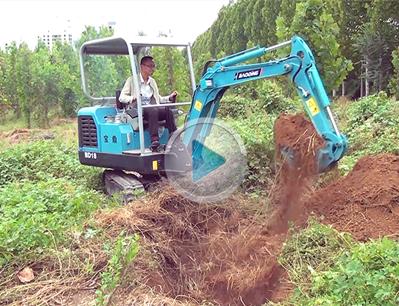 宝鼎BD18微型挖掘机工作视频