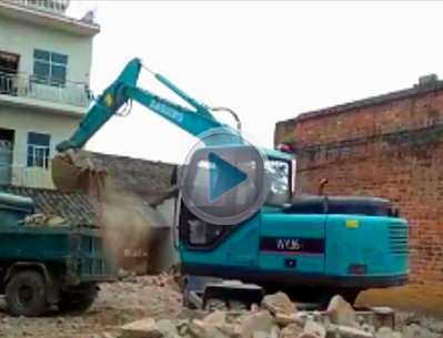 宝鼎小型轮式挖掘机BD95W型号城镇改造工作展示