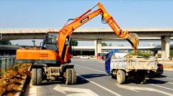 购买轮式挖掘机的优势