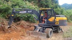 轮式挖掘机抓木机雨季注意事项