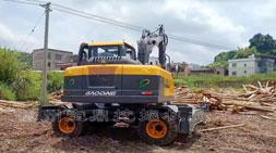 宝鼎挖掘机抓木机厂家客户走访进行中