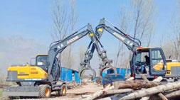 轮式挖掘机抓木机-传统机械的劲敌