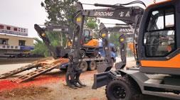 宝鼎轮式挖掘机抓木机开启2021新征程