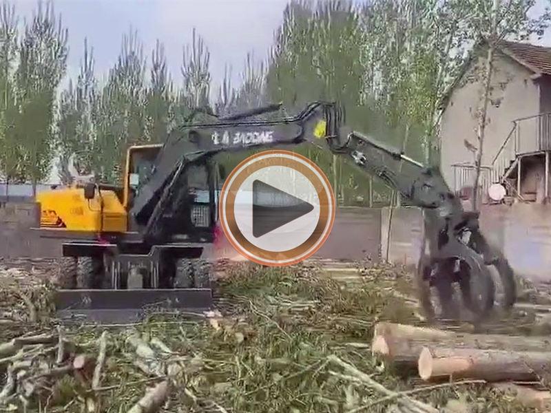 近期宝鼎轮式挖掘机厂家热销型号BD105W轮式抓木机操作视频