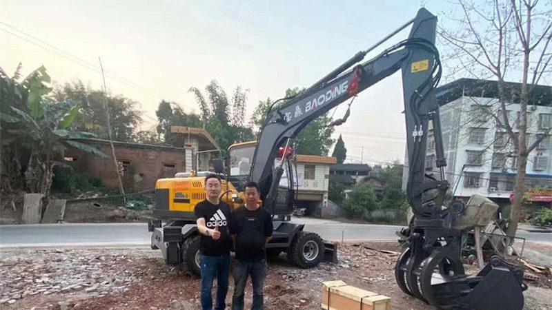 重庆宝鼎抓木机销售客户