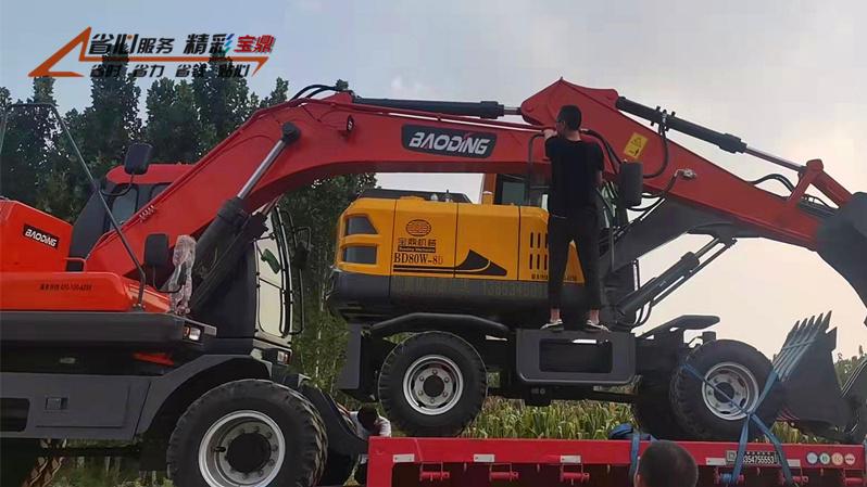 北京轮式挖掘机销售点宝鼎厂家新款轮式挖掘机首发到店